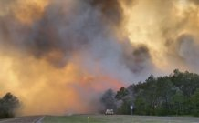Wildfires rage in Florida Panhandle; hundreds evacuated