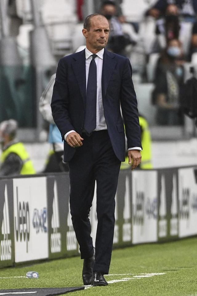 Juventus coach Massimiliano Allegri follows the game of the Italian Serie A soccer match between Juventus and Sampdoria, in Turin, Italy, Sunday, Sept. 26, 2021. (Marco Alpozzi/LaPresse via AP)