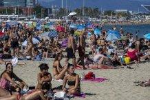 Police Close Packed Barcelona Beach Amid New Wave of Coronavirus Cases