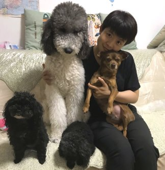 Nurse Zhang Dan struggled with coronavirus victims, but then a street dog helped her through the traumas