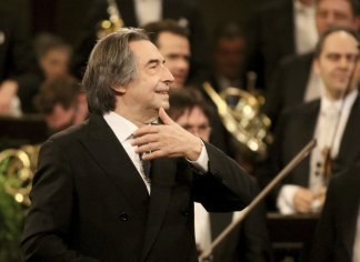 Riccardo Muti to conduct Italy's first live classical music performance since lockdown
