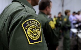 Children gathered in Border Patrol tent for days