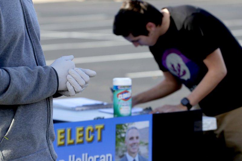 Politics in time of coronavirus: Arizona quietly picks Biden