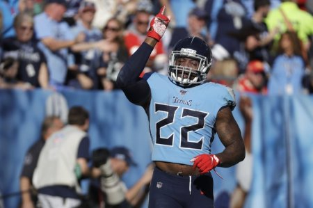 Titans RB Derrick Henry Makes Sure to Pray and 'Always Keep God First' Despite Success on the Field