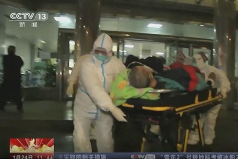 China expands lockdown against virus, fast-tracks hospital
