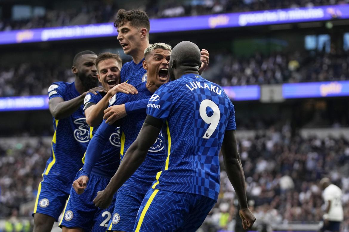 Chelsea beats Tottenham 3-0 to stay among EPL front-runners