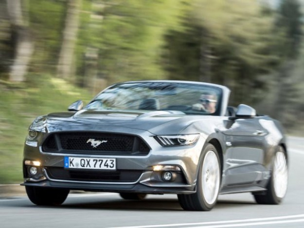 FORD MUSTANG 2.3 ECOBOOST CONVERTIBLE AT Cabriolet
