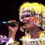 Npis Yaj LIVE IN MISS HMONG THAILAND 2012