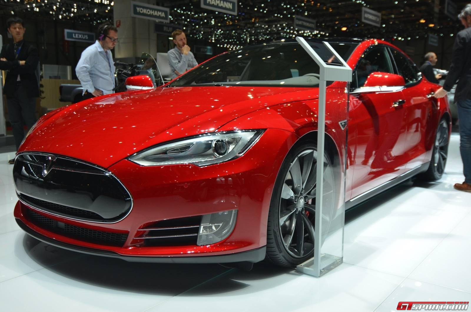 Geneva 2015 Tesla Model S P85d