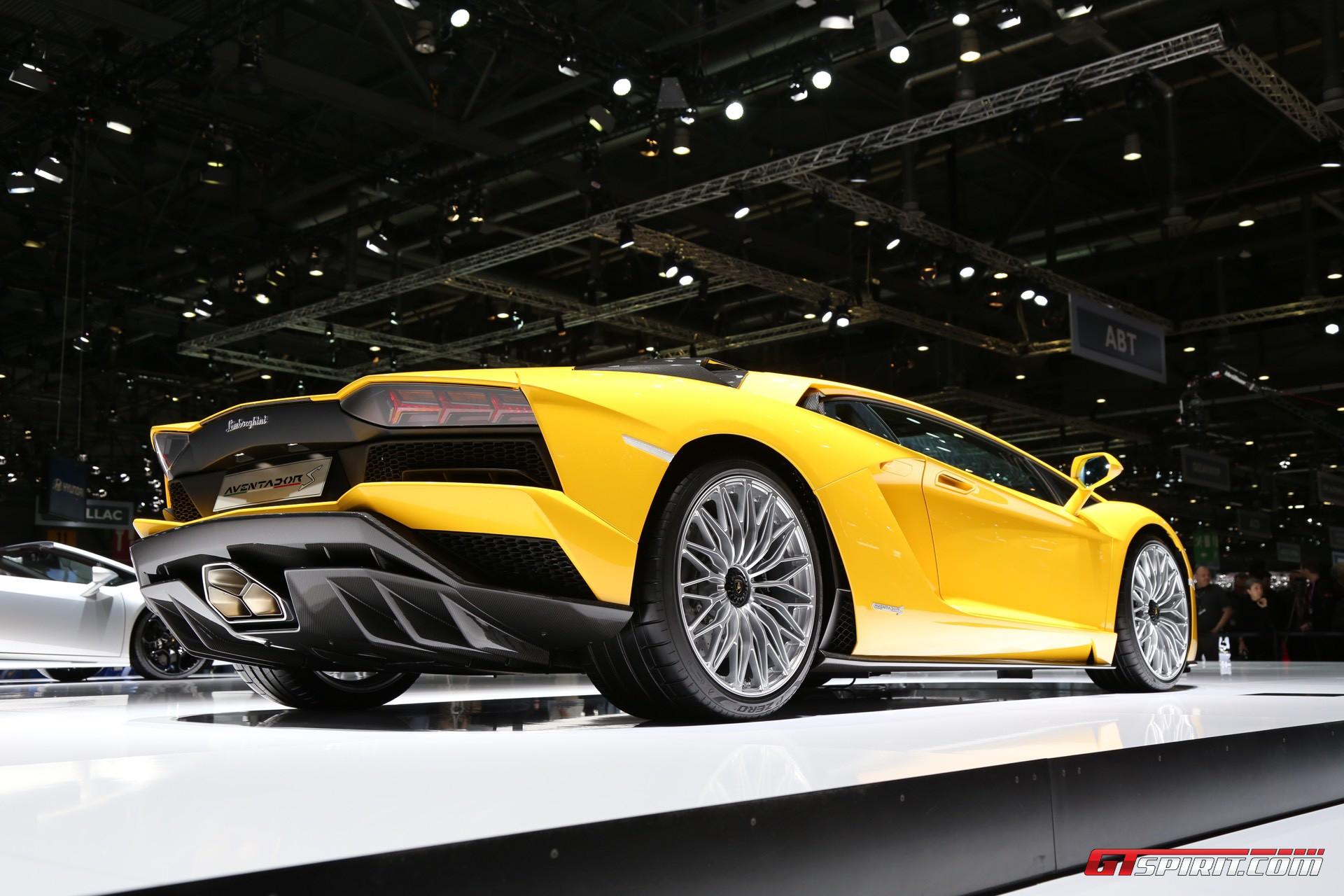 Lamborghini Aventador S (2017) Review By Car Magazine