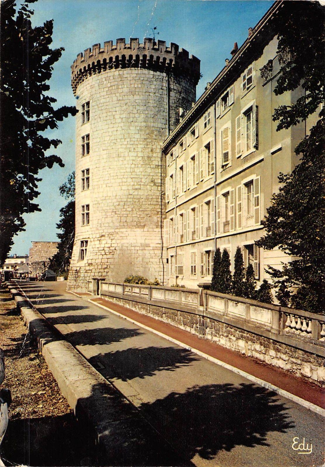 Chateau Des Ducs De Savoie : chateau, savoie, BT7580, Chambery, Chateau, Savoie, France, HipPostcard
