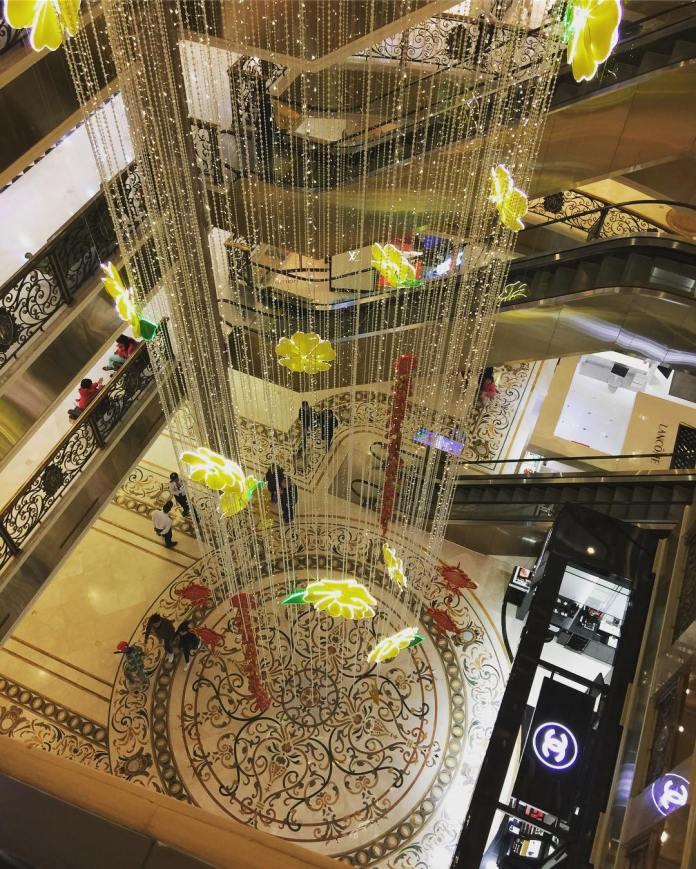 shopping mall hanoi