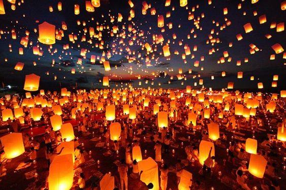 Celebrating Loy Krathong in Thailand - Ummi Goes Where?
