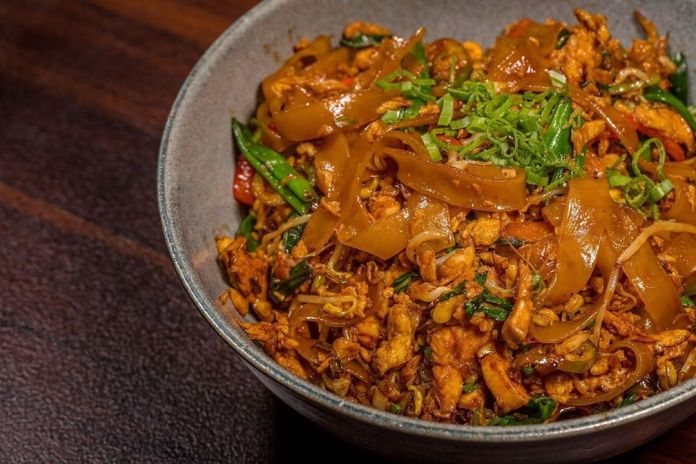Char Kway Teow - Singapore travel