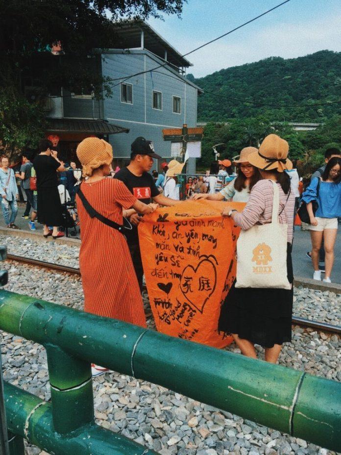 Làng cổ Thập Phần với một trong những trải nghiệm khám phá Đài Loan
