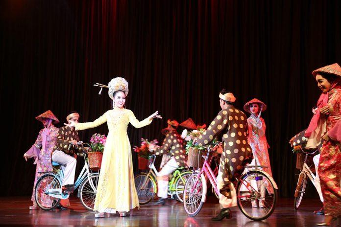 sân khấu trình diễn cabaret