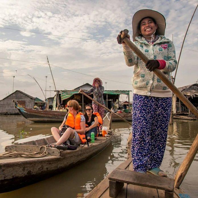 ngắm cảnh Biển Hồ Campuchia