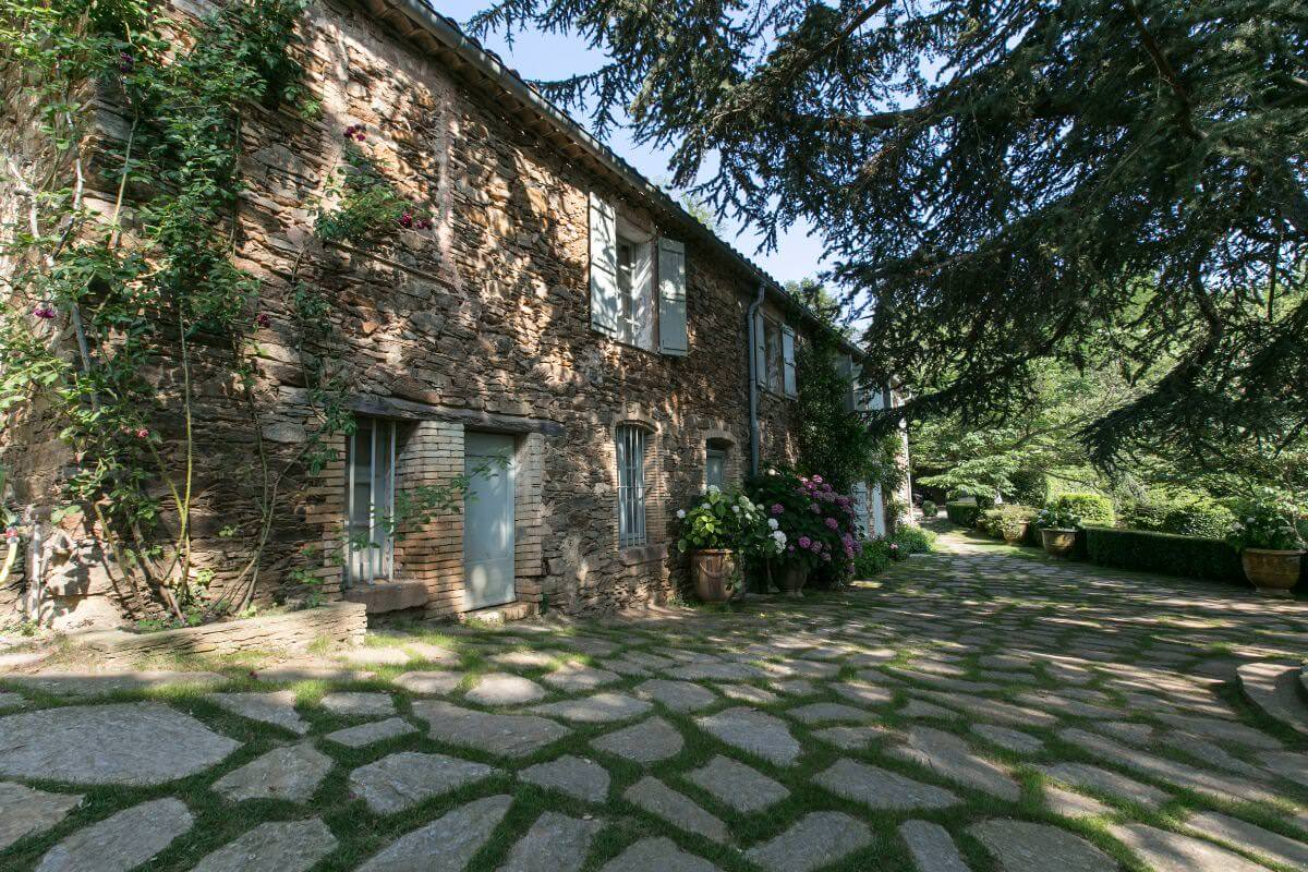 Book Le Preverger Chateau A Luxury Private Estate French