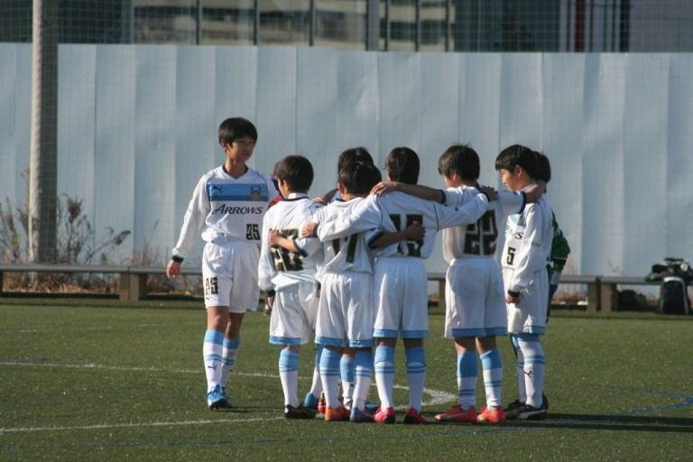 試合に臨む川崎フロンターレU-12の五年生の選手たち