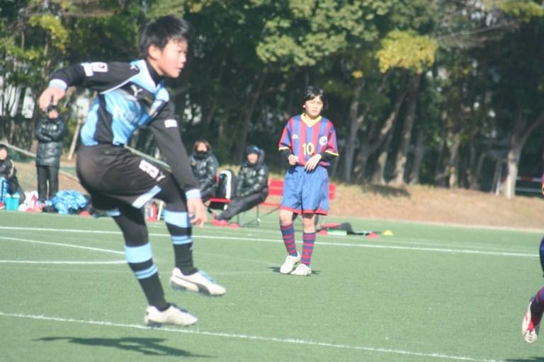 田鎖勇作選手がゴールを決めて先制した