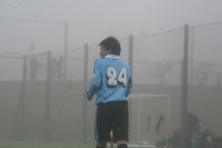ゴールが決まって笑顔を見せる川崎晶弘選手
