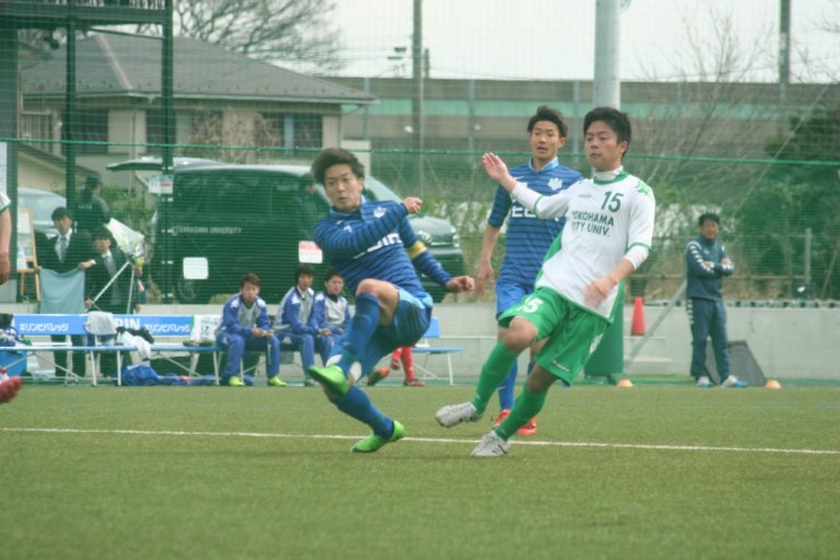 追い付かれた桐蔭横浜大だったが今関耕平選手が勝ち越しゴールを決める