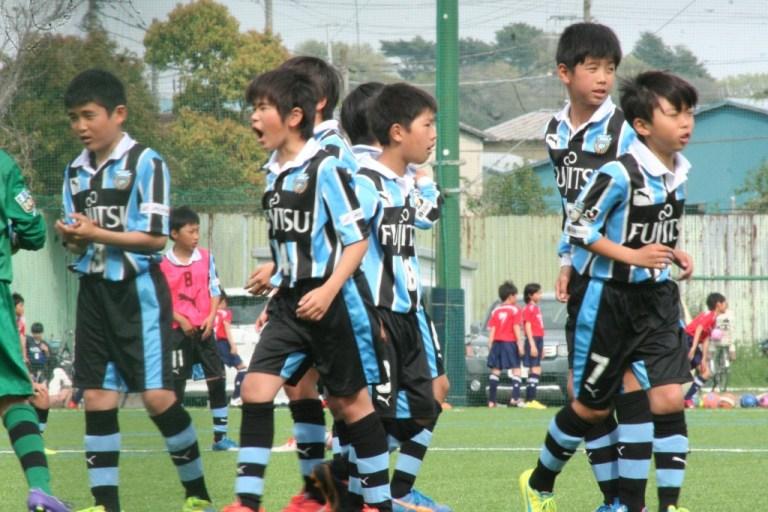 試合に臨むフロンターレの選手たち