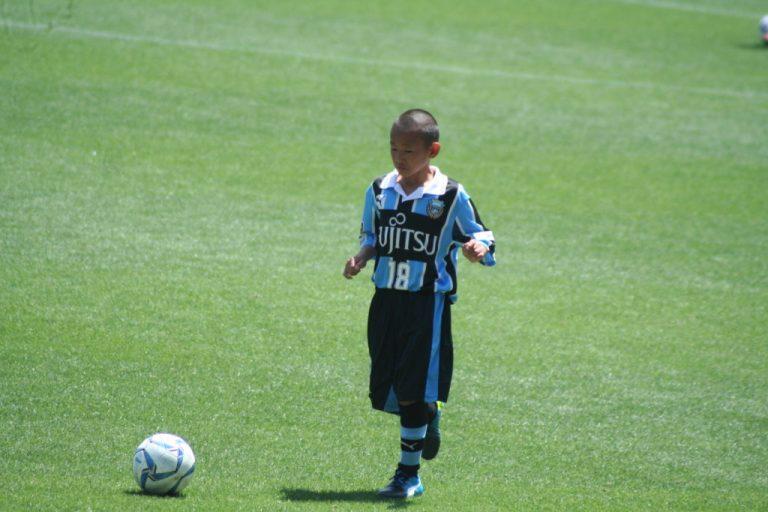 試合開始を前にアップをする名賀海月選手