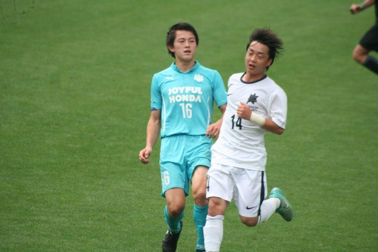 筑波の戸嶋祥郎選手と国士舘の田中智也選手