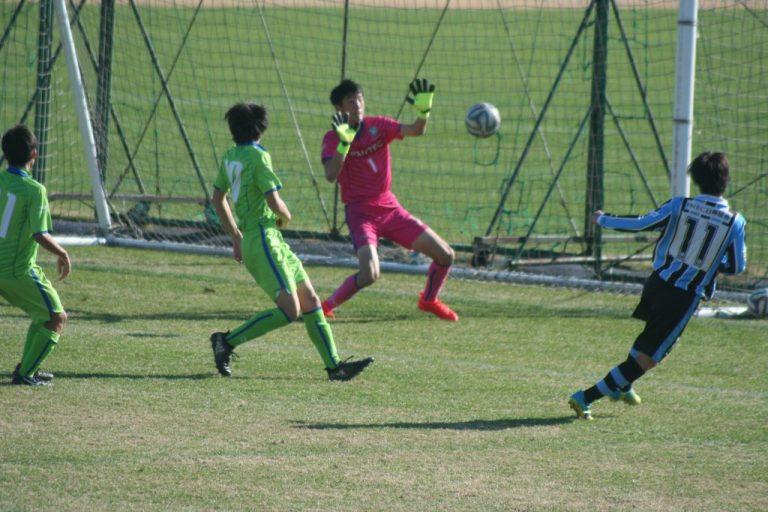 有田恵人選手がゴールを決める