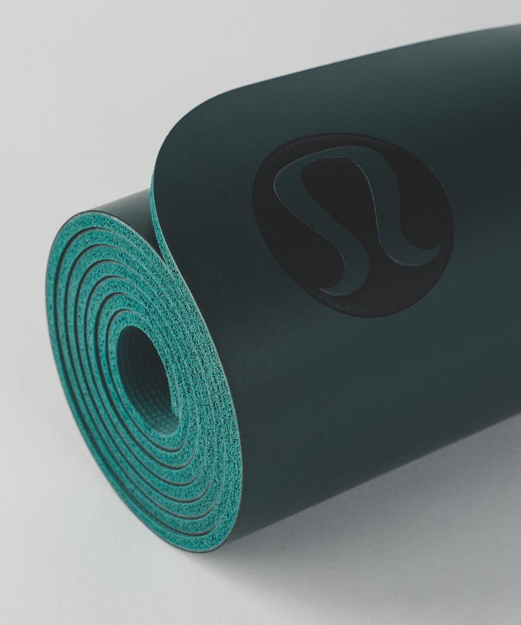 Lululemon The Reversible Mat 5mm - Deep Green / Hunter Green - lulu fanatics