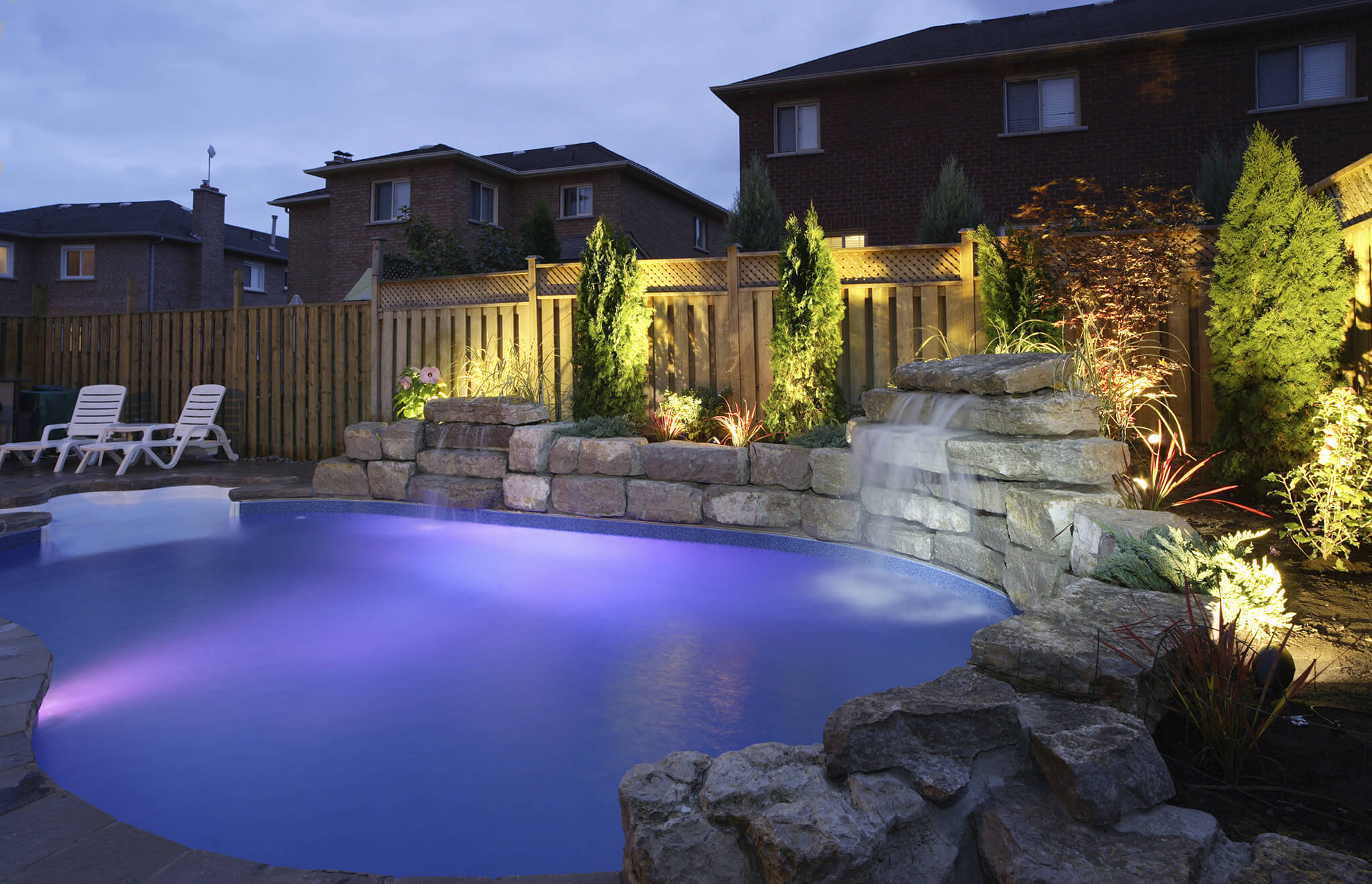 3 Types of Swimming Pool Lights to Enhance Your Luxury