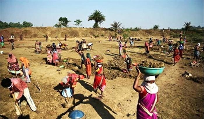 मनरेगा से 69 हजार ग्रामीणों को रोजगार