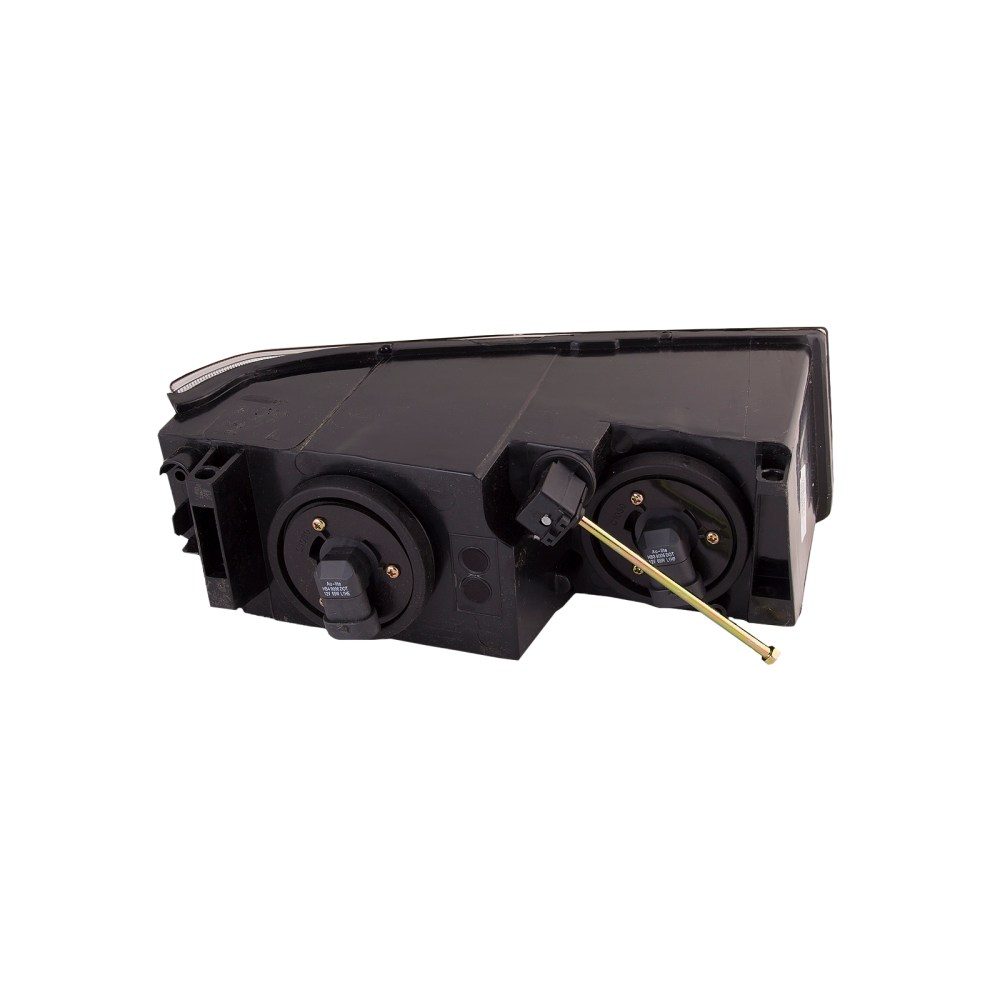 medium resolution of 02 06 chevy avalanche passenger side headlight lower side body cladding