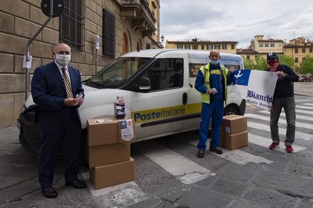 Foto consegna Poste Italiane_2