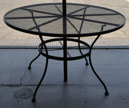 patio table black wire round