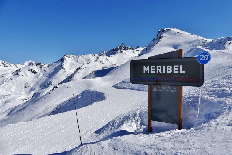 Meribel sign on piste coming from val thorens