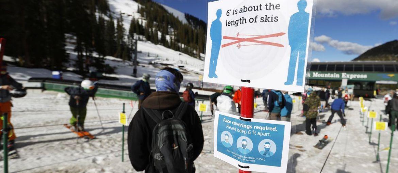 social distancing in ski resorts