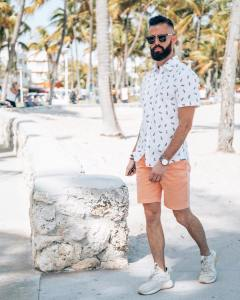 Michael Checkers men's streetwear blogger and fashion influencer walking in South Beach Miami