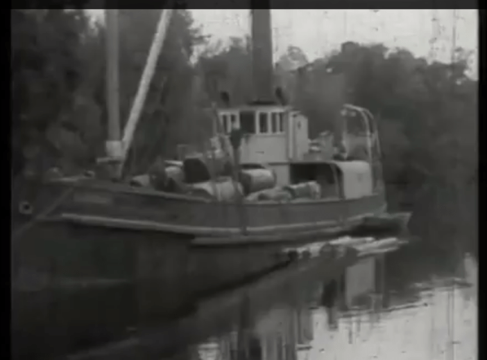Screen Shot from The Isle of Many Waters by Frank Hurley--22.42
