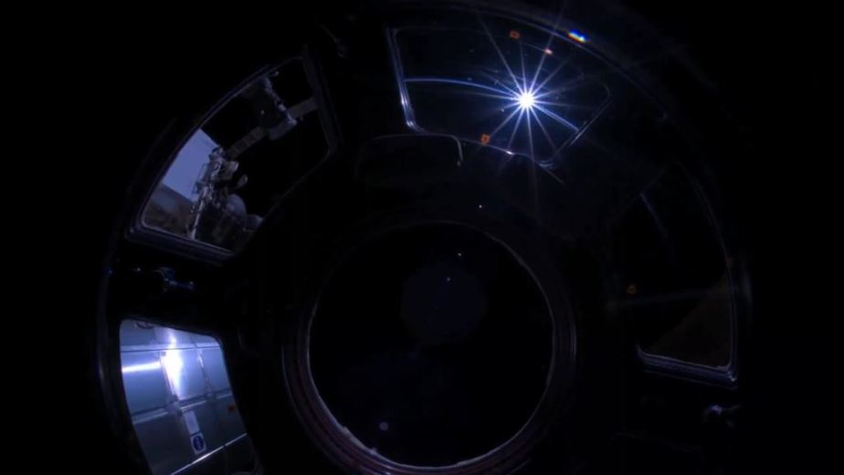 Orbit Timelapse - Intl Space Station - compiled by Selmes Films via NASA - 11