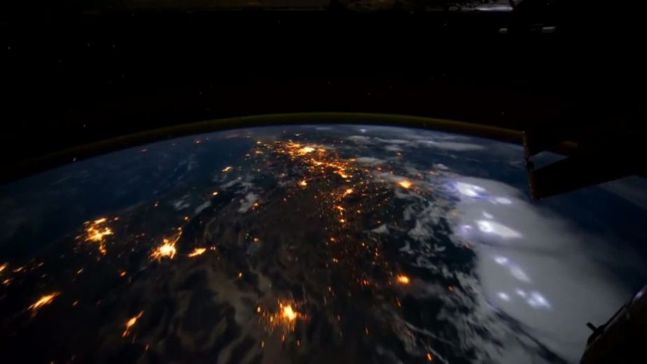 Orbit Timelapse - Intl Space Station - compiled by Selmes Films via NASA - 18