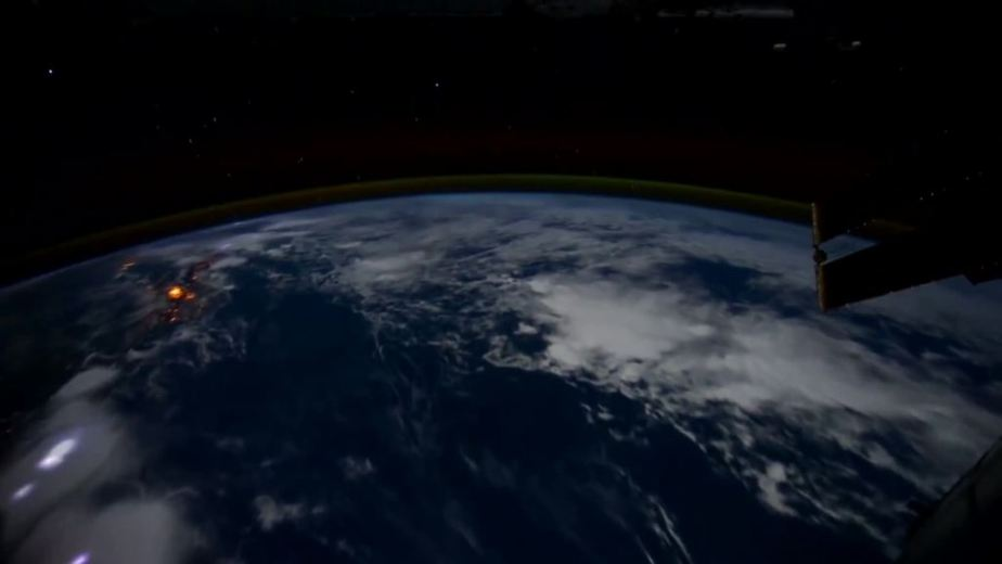 Orbit Timelapse - Intl Space Station - compiled by Selmes Films via NASA - 22