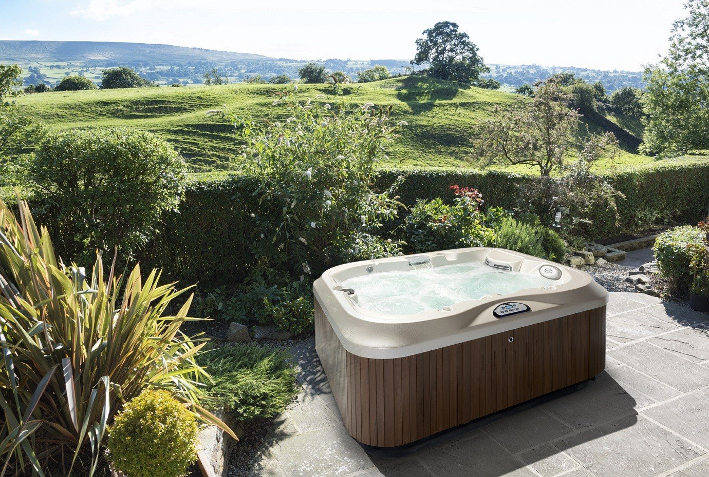 5 Creative Ideas For Adding More Privacy Around Your Hot Tub Hot Tubs Dfw Texas Hot Tub Company