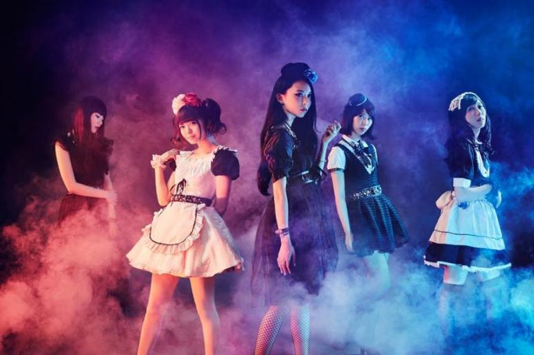 Band-Maid full band photo, with Miku Kobato, Saiki Atsumi Kanami Tōno, Akane Hirose and MISA.