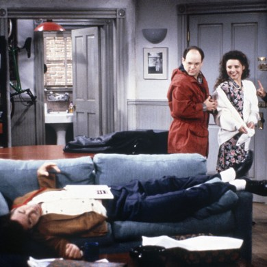 Seinfeld (NBC) TV Series 1989ñ1998 Shown from left: Michael Richards (as Cosmo Kramer), Jason Alexander (as George Costanza), Julia Louis-Dreyfus (as Elaine Benes), Jerry Seinfeld (as Jerry Seinfeld)