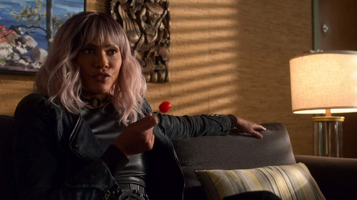 Mazikeen with lollipop