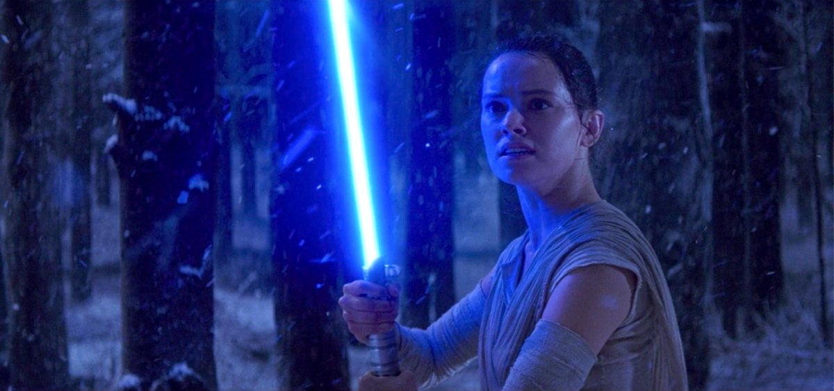 The Force Awakens shows a young girl not yet fully aware of her powers