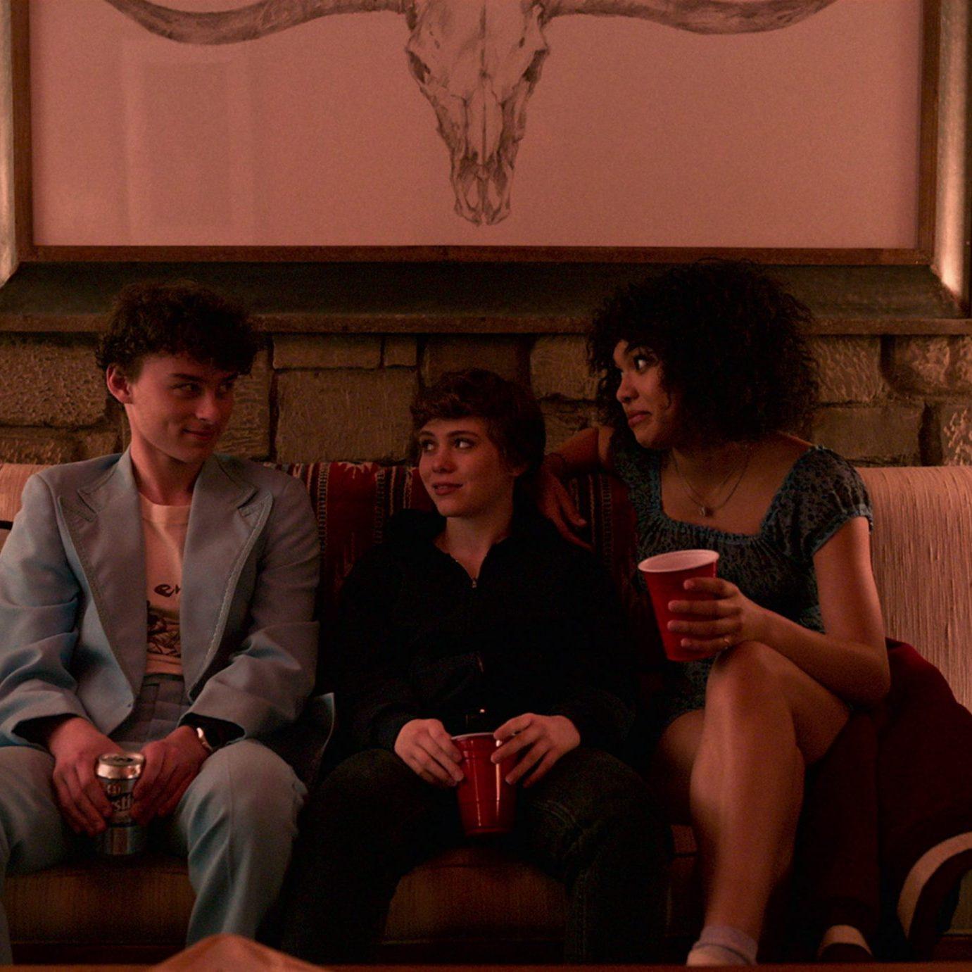 Sofia Bryant, Sophia Lillis, & Wyatt Oleff; Courtesy of Netflix (2020)