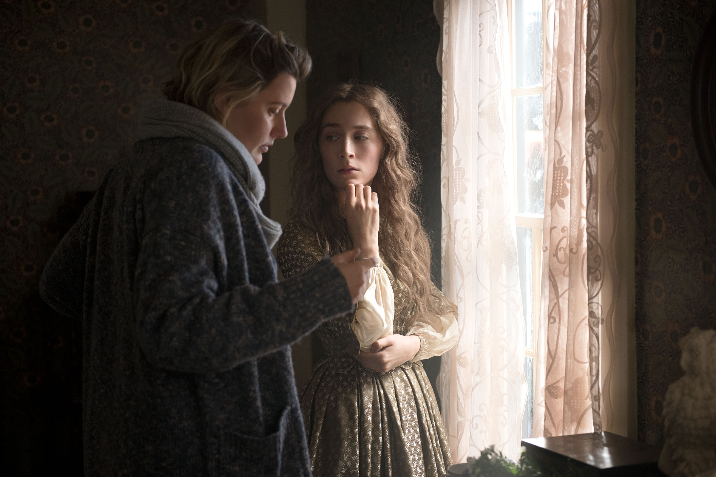 """BTS: Director/Writer Greta Gerwig and Jo March (Saoirse Ronan) on the set of Columbia Pictures' LITTLE WOMEN."""""""